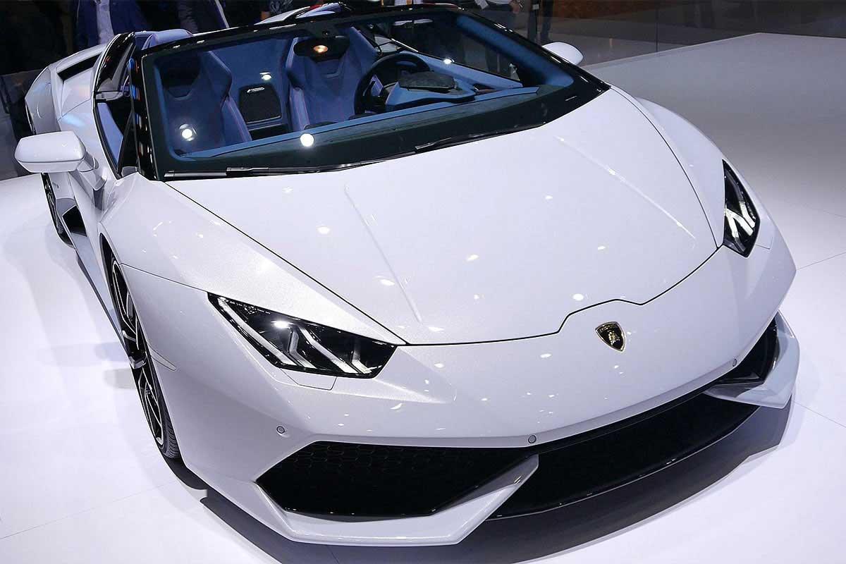 New York Auto Show: Lamborghini Aventador SV Roadster
